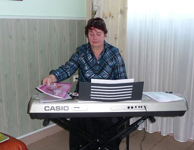Muzykoterapia w Dziennym Domu dla Osób Starszych